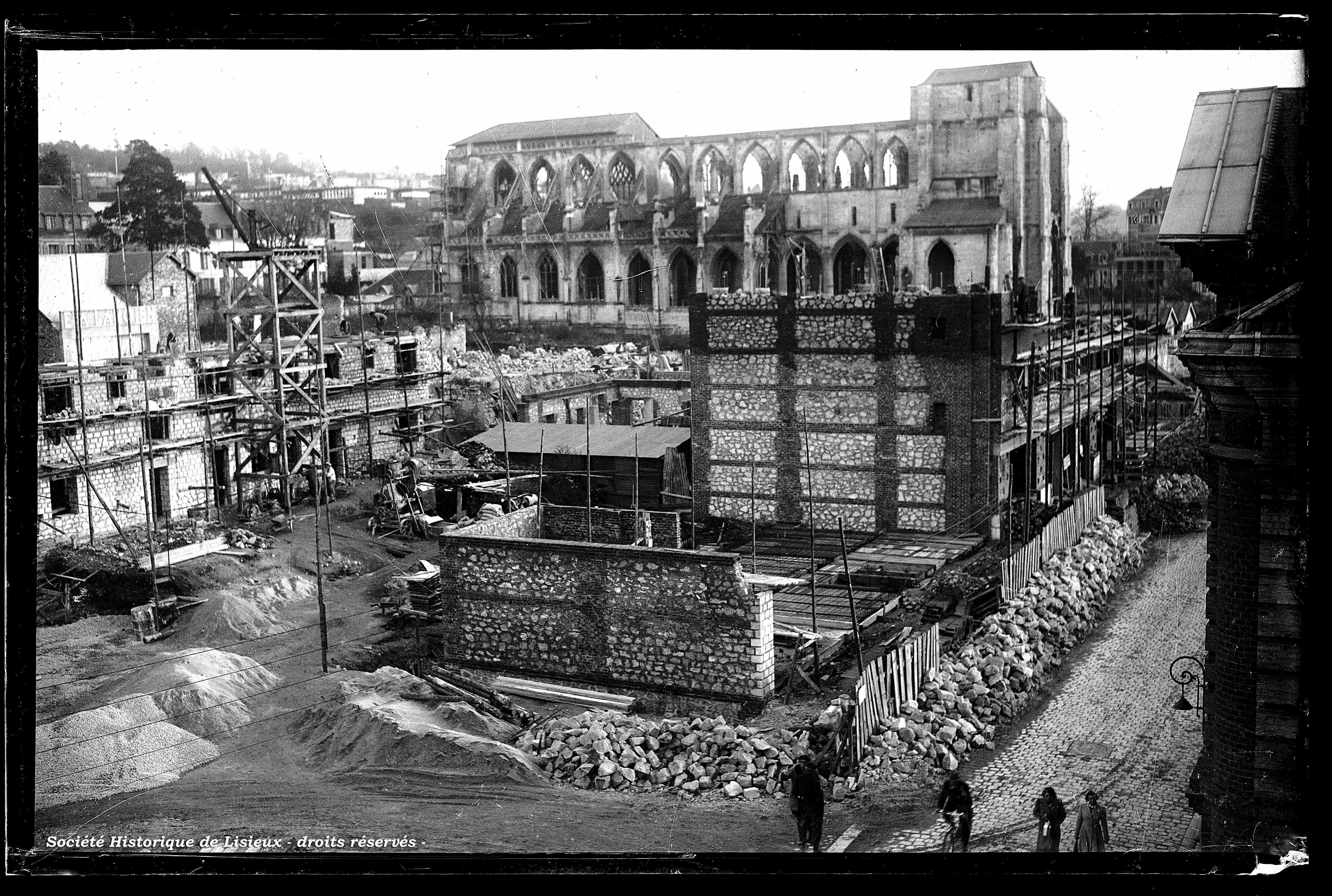 Etat d'avancement des constructions, rue au Char (photos n°1121 et 1129)