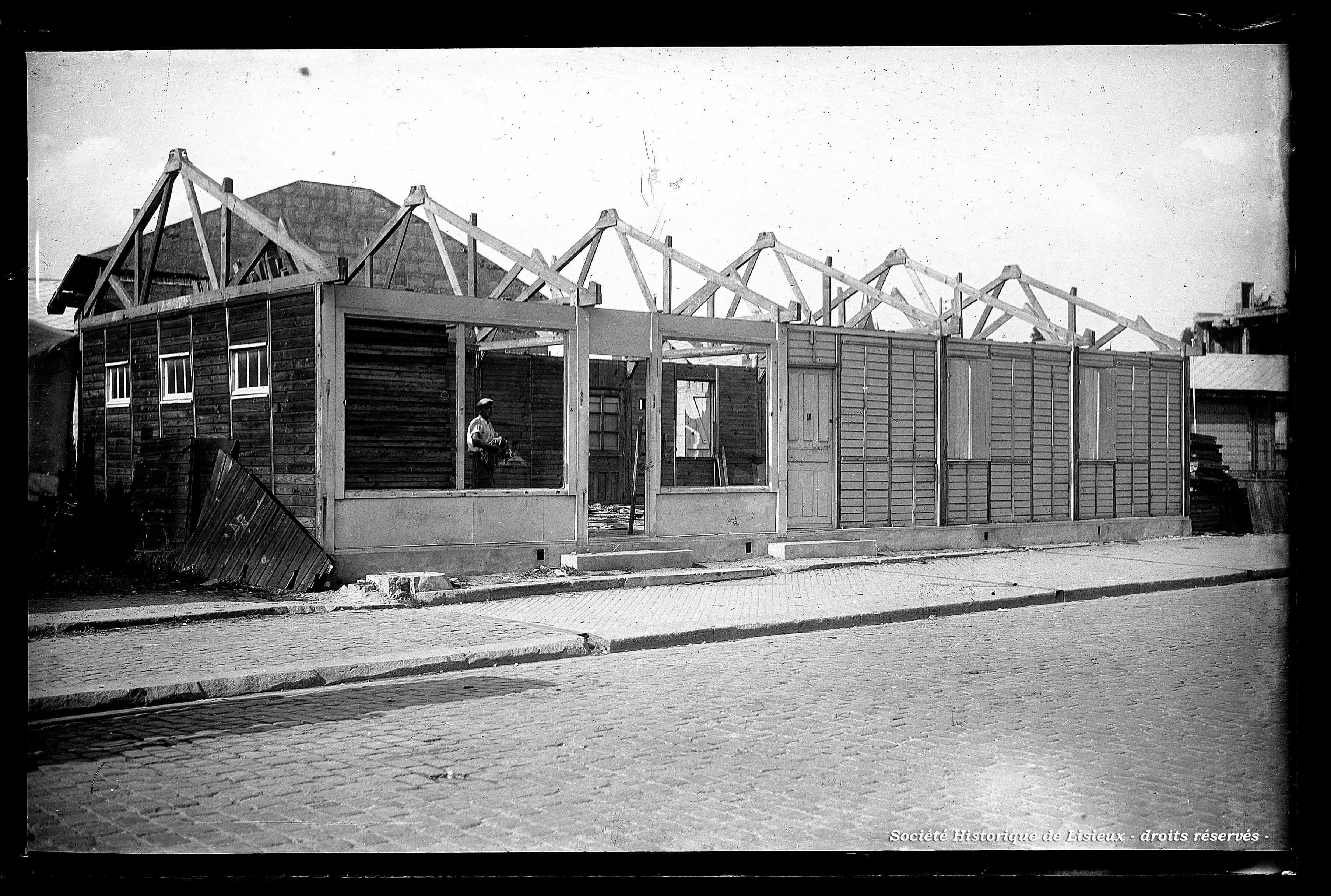 Démontage des baraquements, rue Henry-Chéron