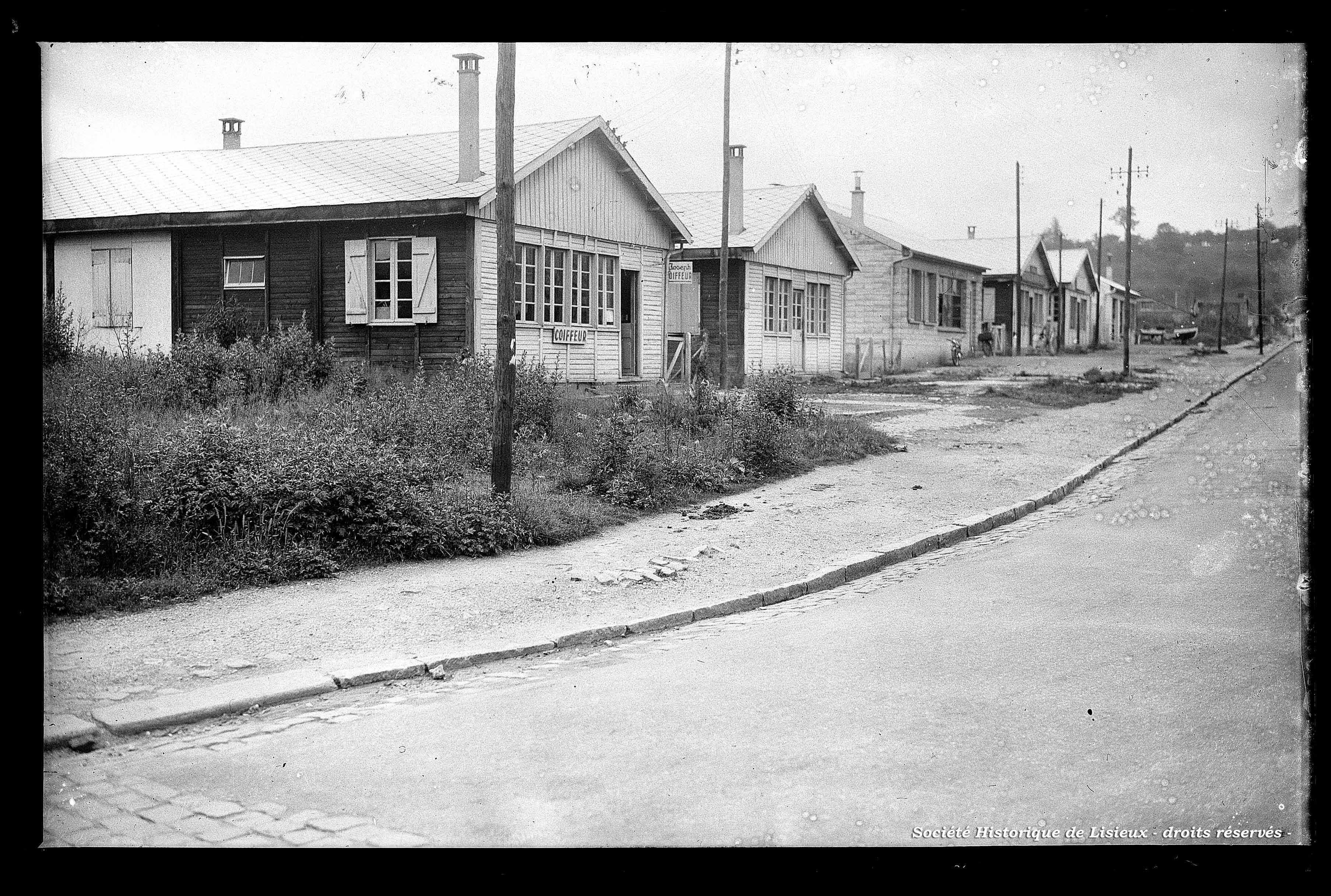 Baraquements commerciaux de la rue de Caen