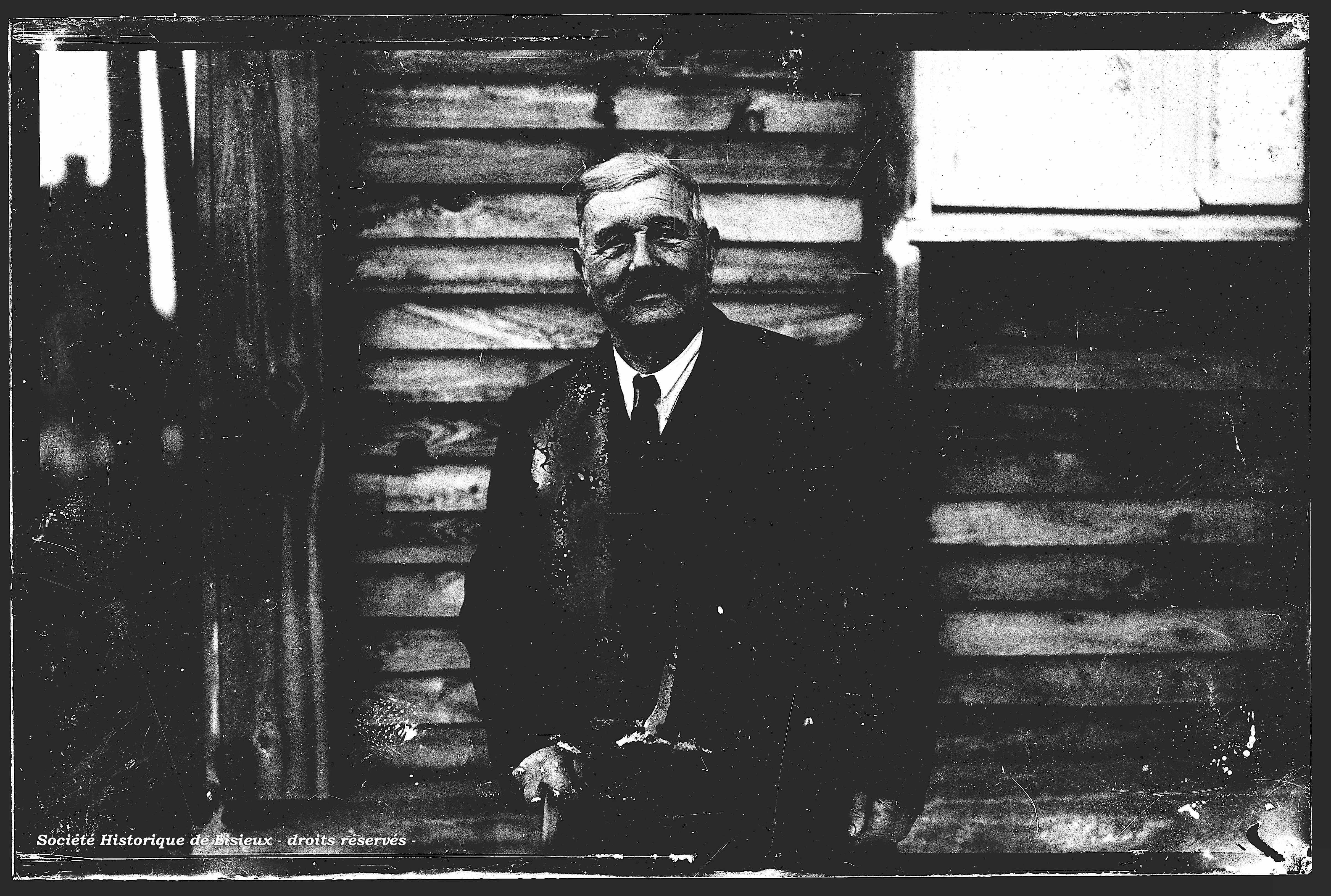 M. Edmond Borel a reçu un hommage de la municipalité de La Boissière