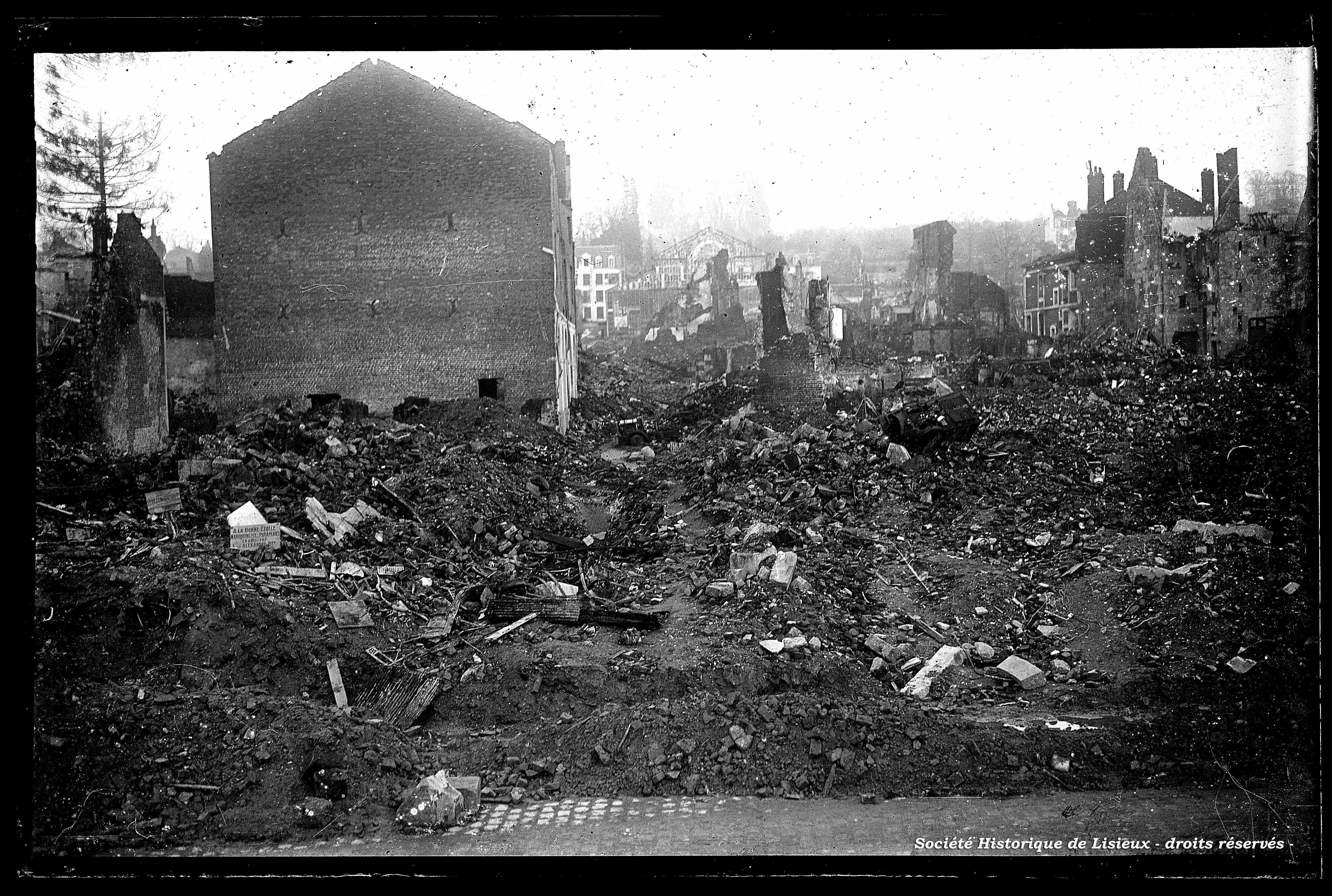 Le centre-ville en ruines