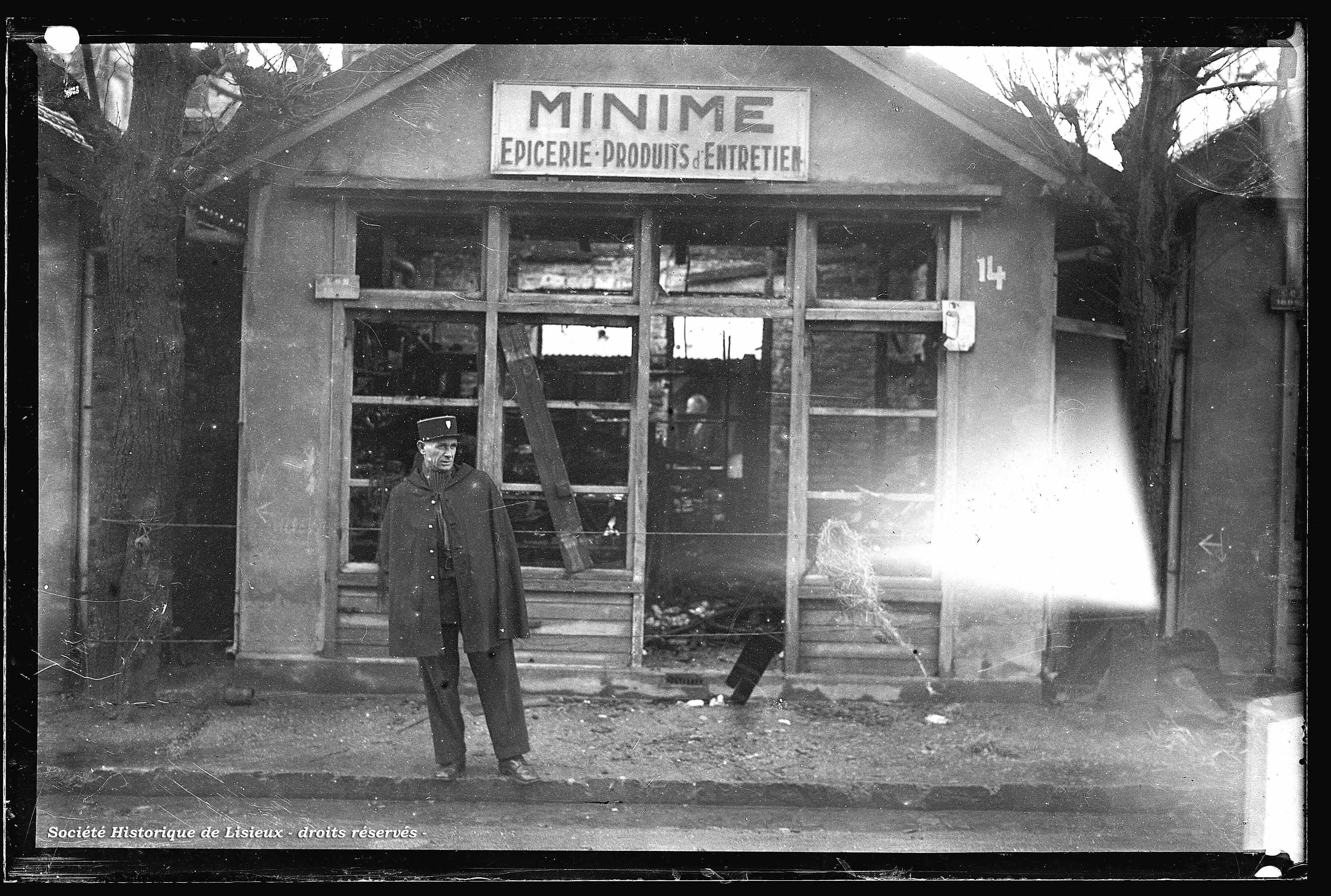 """Épicerie provisoire dans baraquement : """"Minime"""""""